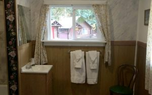 cottage-interior-sink
